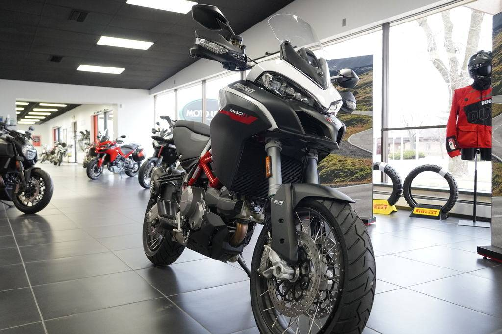 2021 Ducati Multistrada 950 S Spoked Wheel in West Allis, Wisconsin - Photo 6