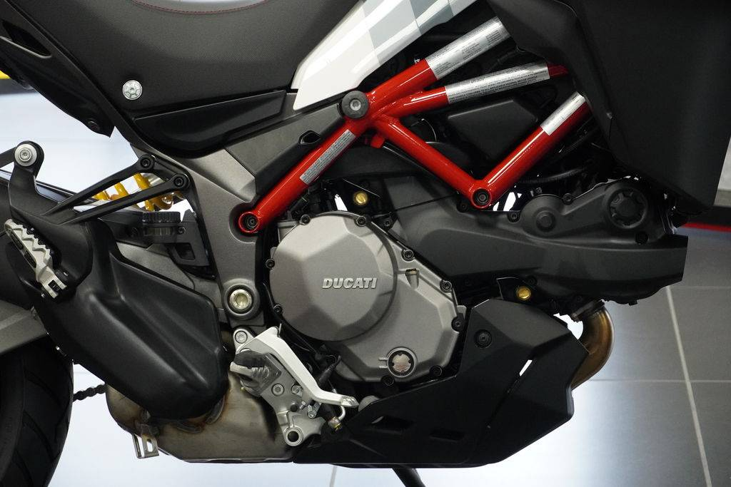 2021 Ducati Multistrada 950 S Spoked Wheel in West Allis, Wisconsin - Photo 2
