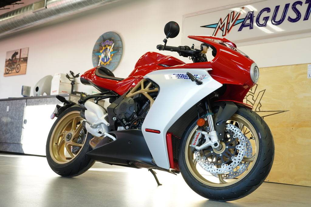 2021 MV Agusta SUPERVELOCE in West Allis, Wisconsin - Photo 2
