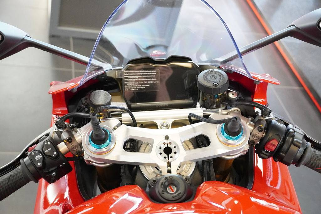 2021 Ducati Panigale V4 S in West Allis, Wisconsin - Photo 8