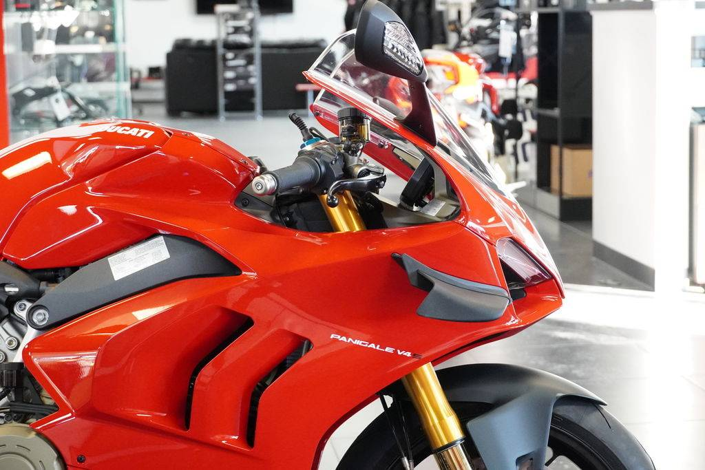 2021 Ducati Panigale V4 S in West Allis, Wisconsin - Photo 10