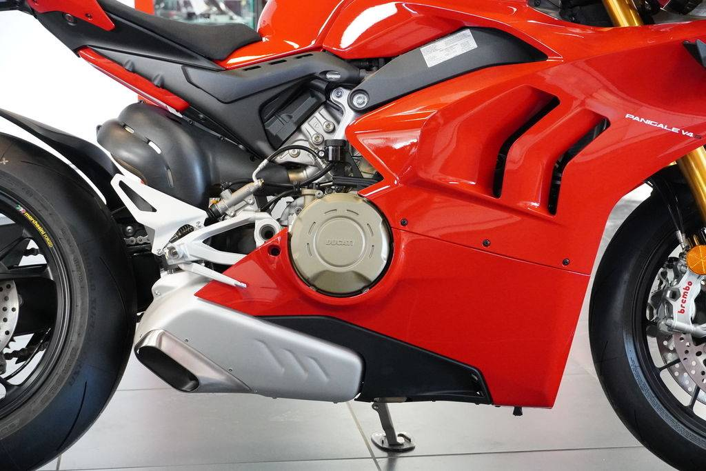 2021 Ducati Panigale V4 S in West Allis, Wisconsin - Photo 14