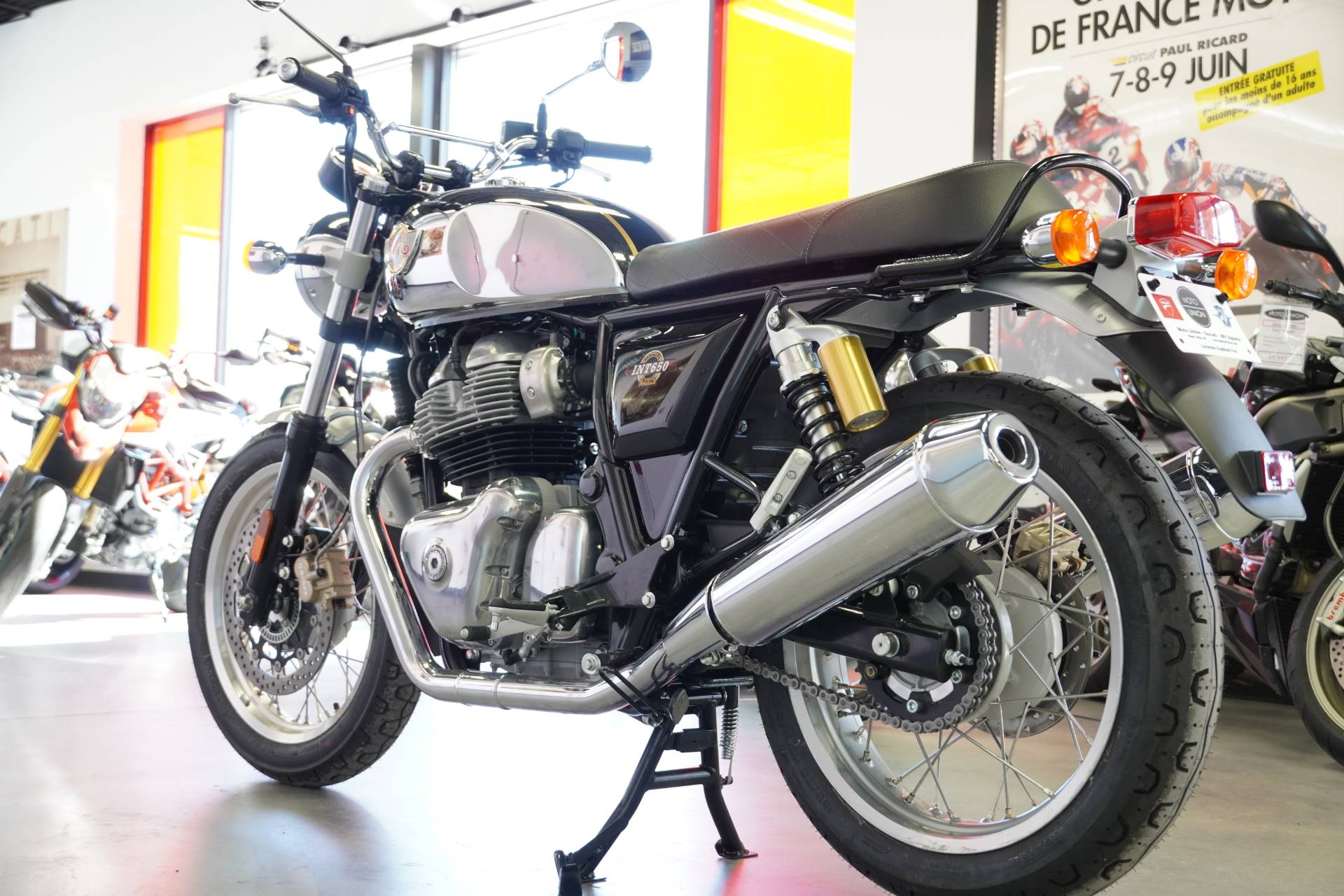 2021 Royal Enfield INT650 in West Allis, Wisconsin - Photo 5