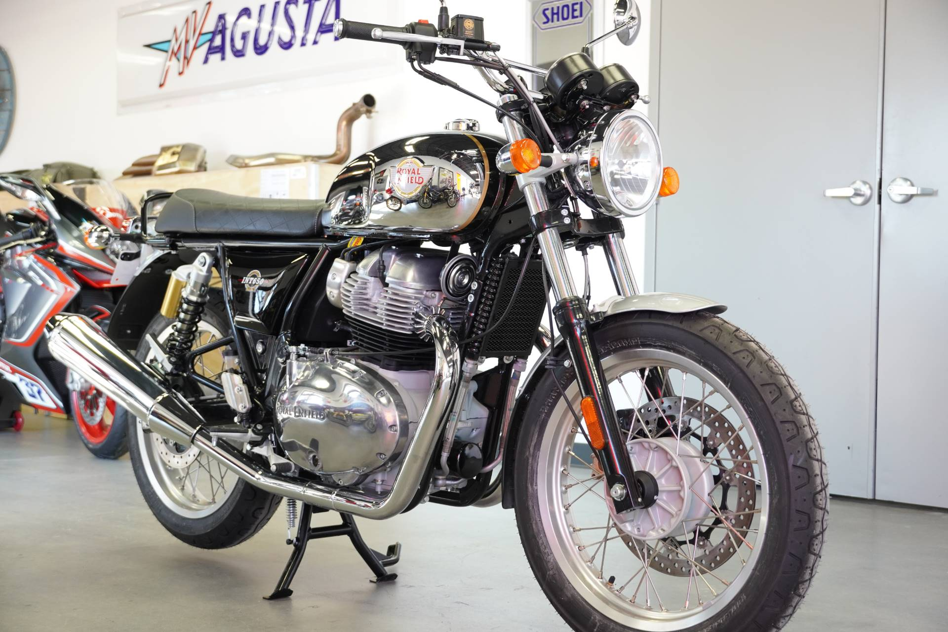 2021 Royal Enfield INT650 in West Allis, Wisconsin - Photo 1