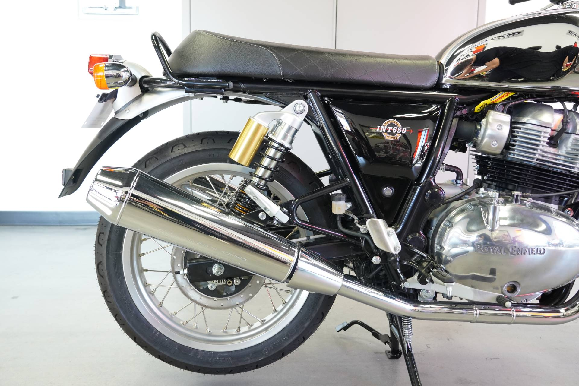 2021 Royal Enfield INT650 in West Allis, Wisconsin - Photo 14