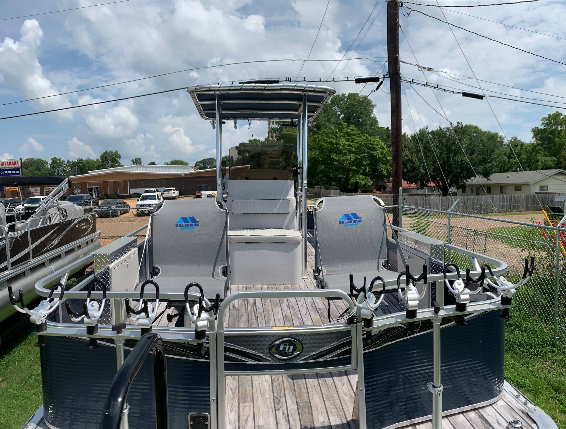 2019 Angler Qwest 824 CRAPPIE PONTOON in Greenwood, Mississippi - Photo 3