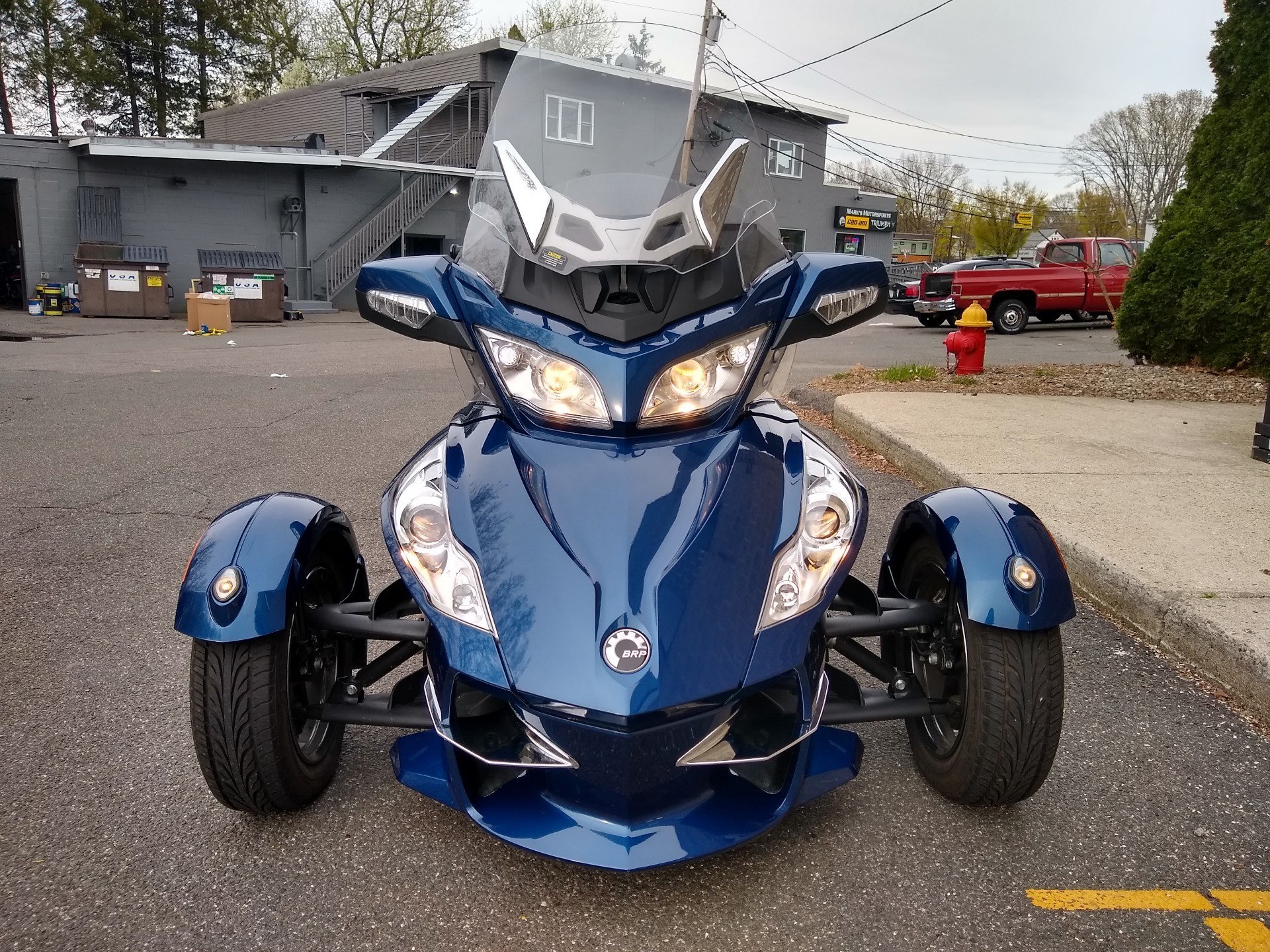 2011 Can-Am Spyder® RT-S SE5 in Enfield, Connecticut - Photo 2