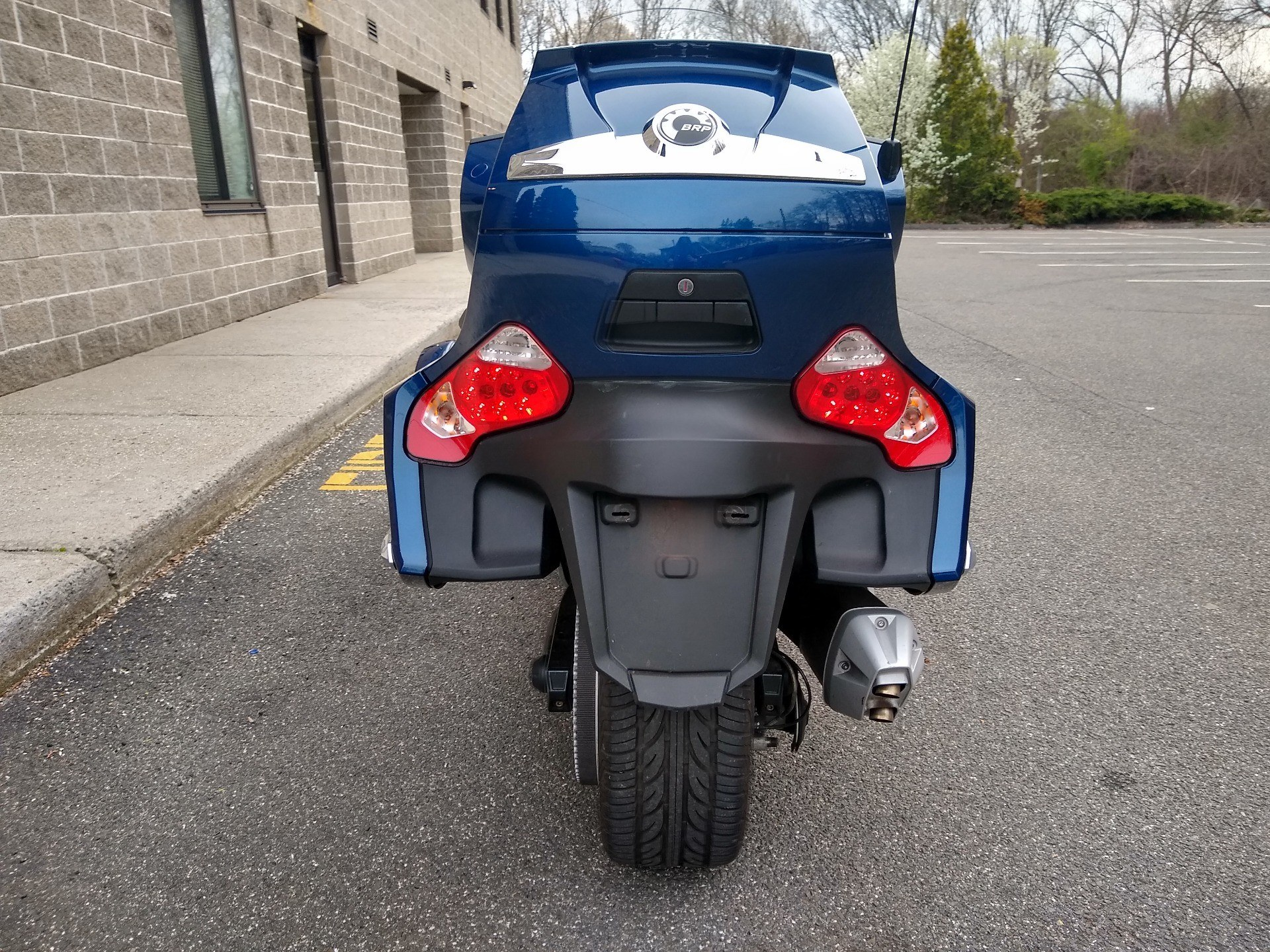 2011 Can-Am Spyder® RT-S SE5 in Enfield, Connecticut - Photo 6