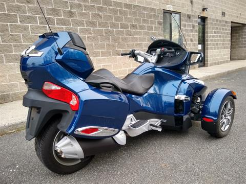2011 Can-Am Spyder® RT-S SE5 in Enfield, Connecticut - Photo 7