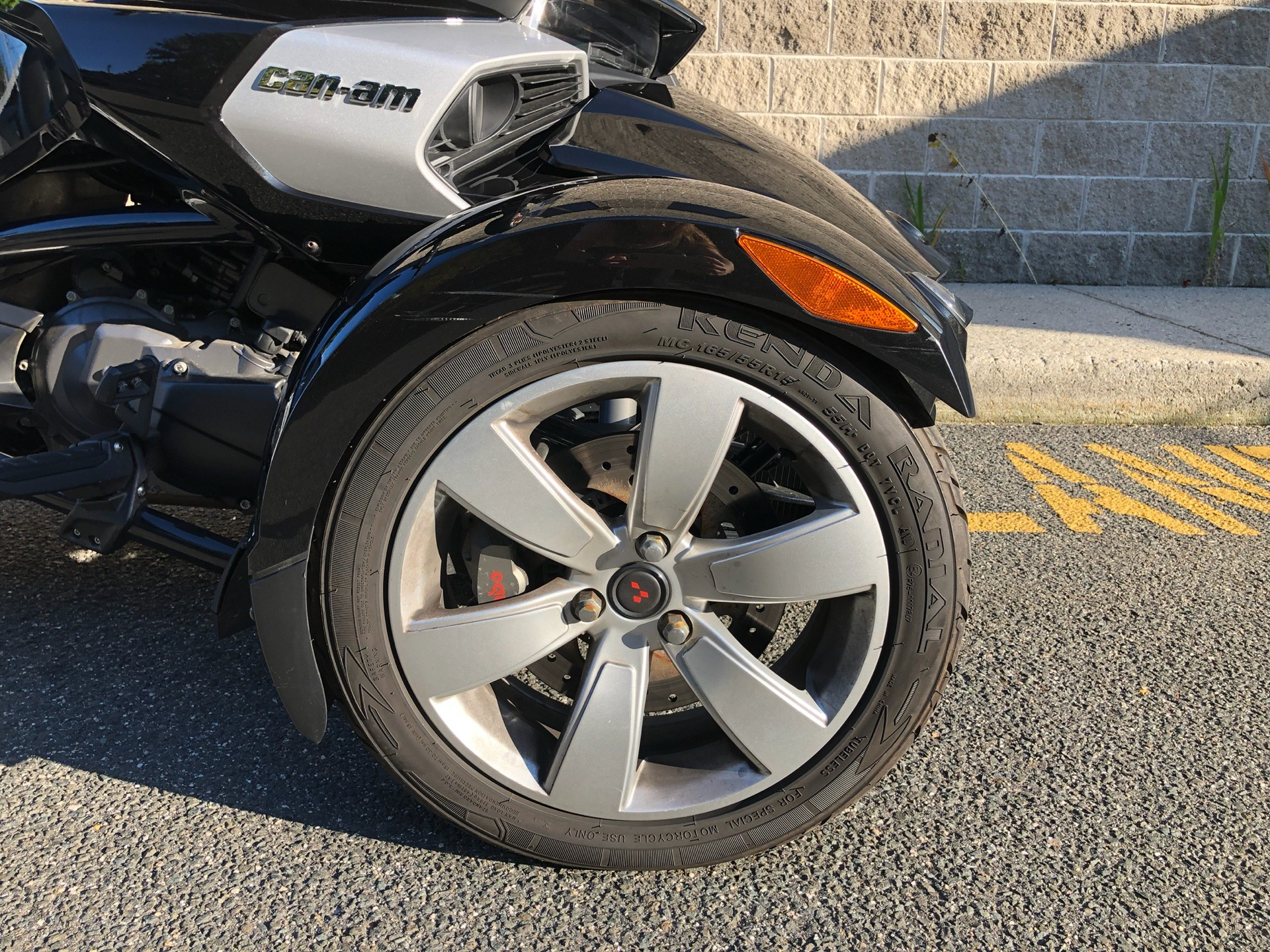 2015 Can-Am Spyder® F3 SE6 in Enfield, Connecticut - Photo 32