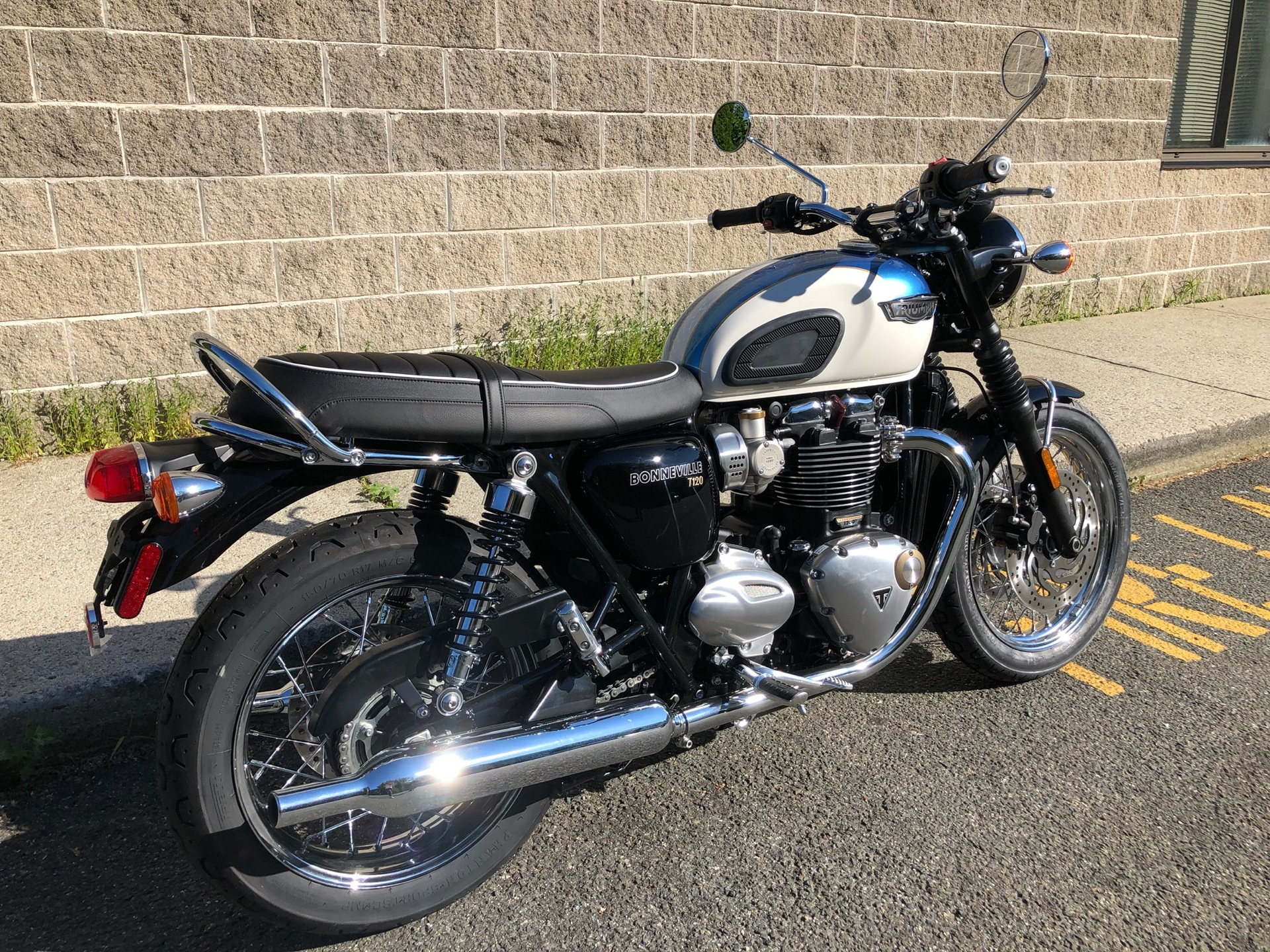 2019 Triumph Bonneville T120 in Enfield, Connecticut - Photo 3