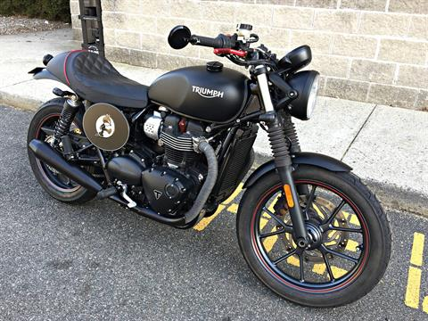 2016 Triumph Street Twin in Enfield, Connecticut
