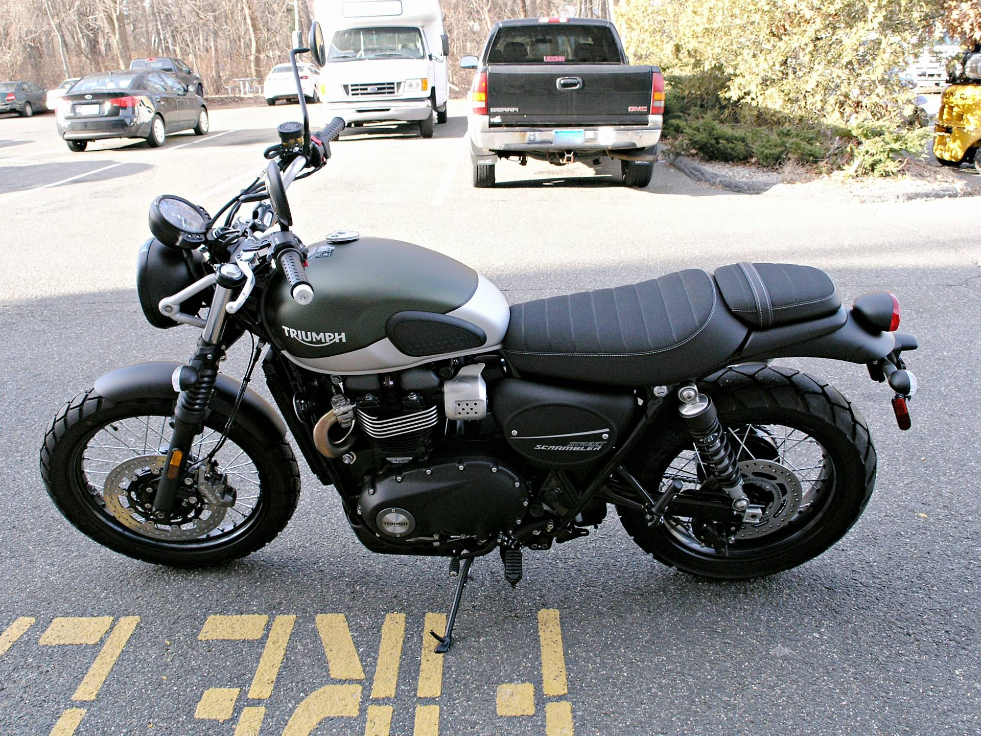 2019 Triumph Street Scrambler 900 in Enfield, Connecticut - Photo 6