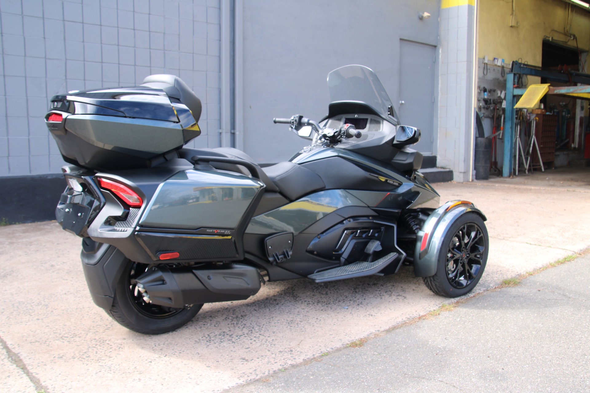 2021 Can-Am Spyder RT Limited in Enfield, Connecticut - Photo 3