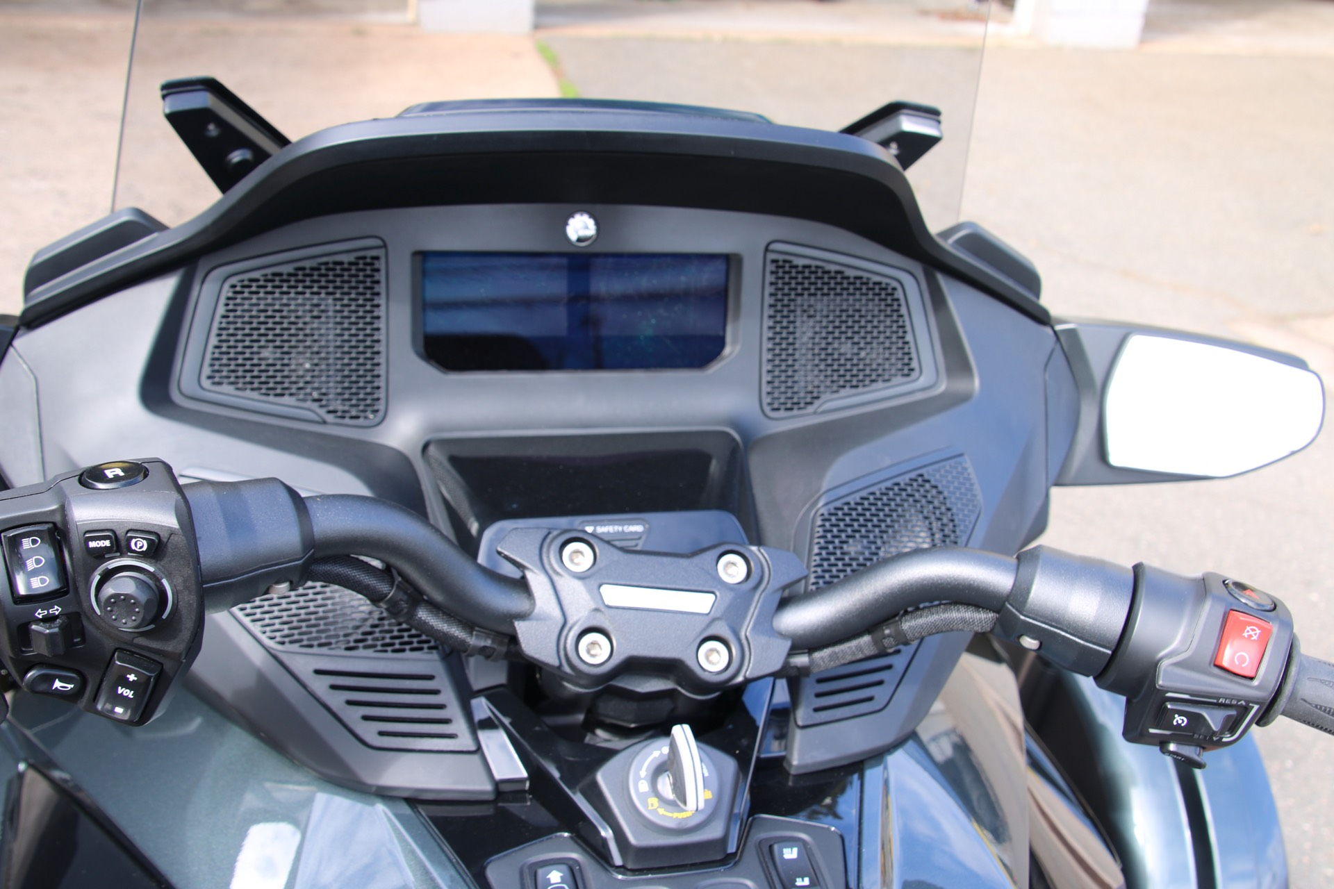 2021 Can-Am Spyder RT Limited in Enfield, Connecticut - Photo 11
