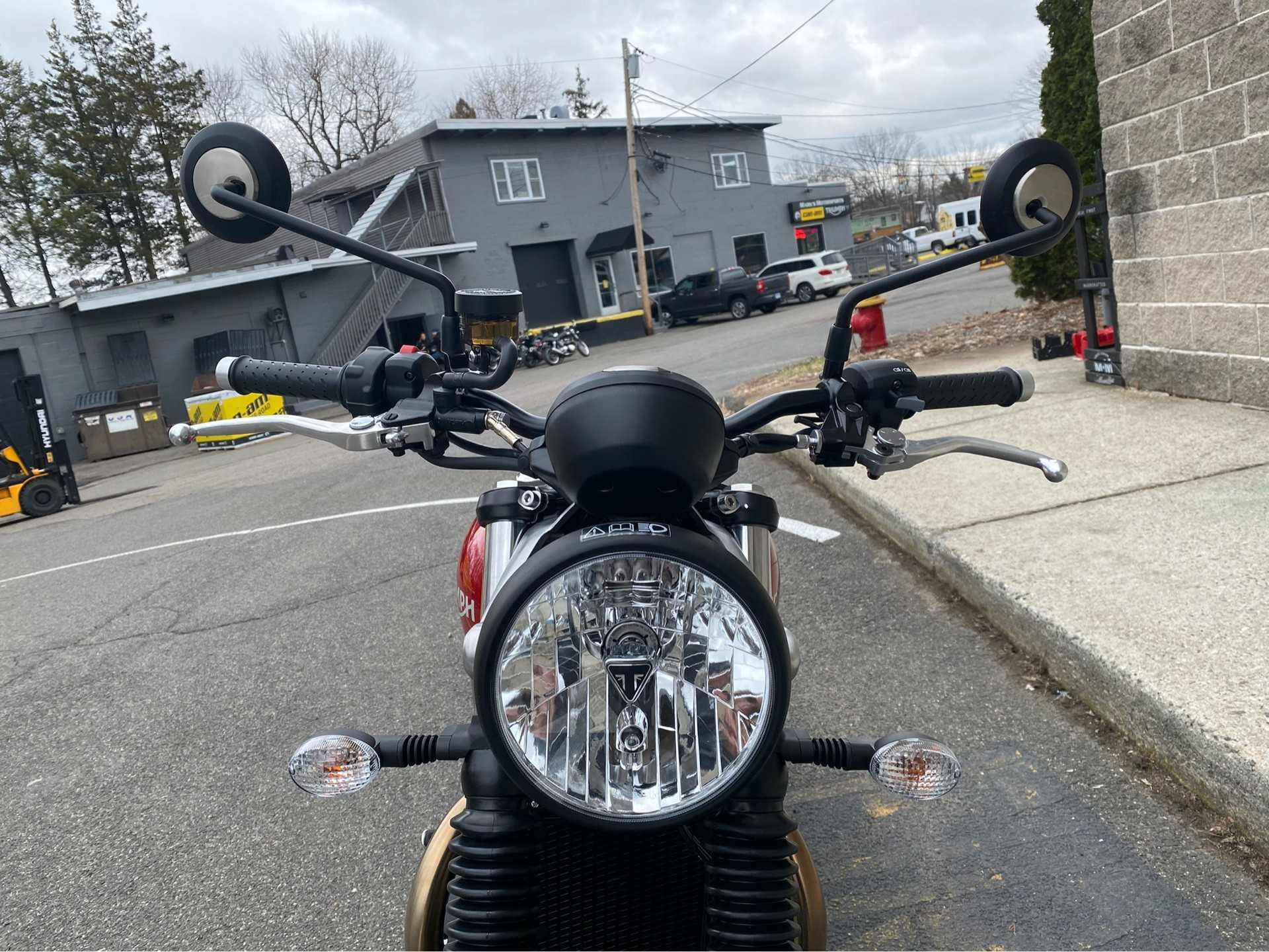 2020 Triumph Street Twin in Enfield, Connecticut - Photo 11