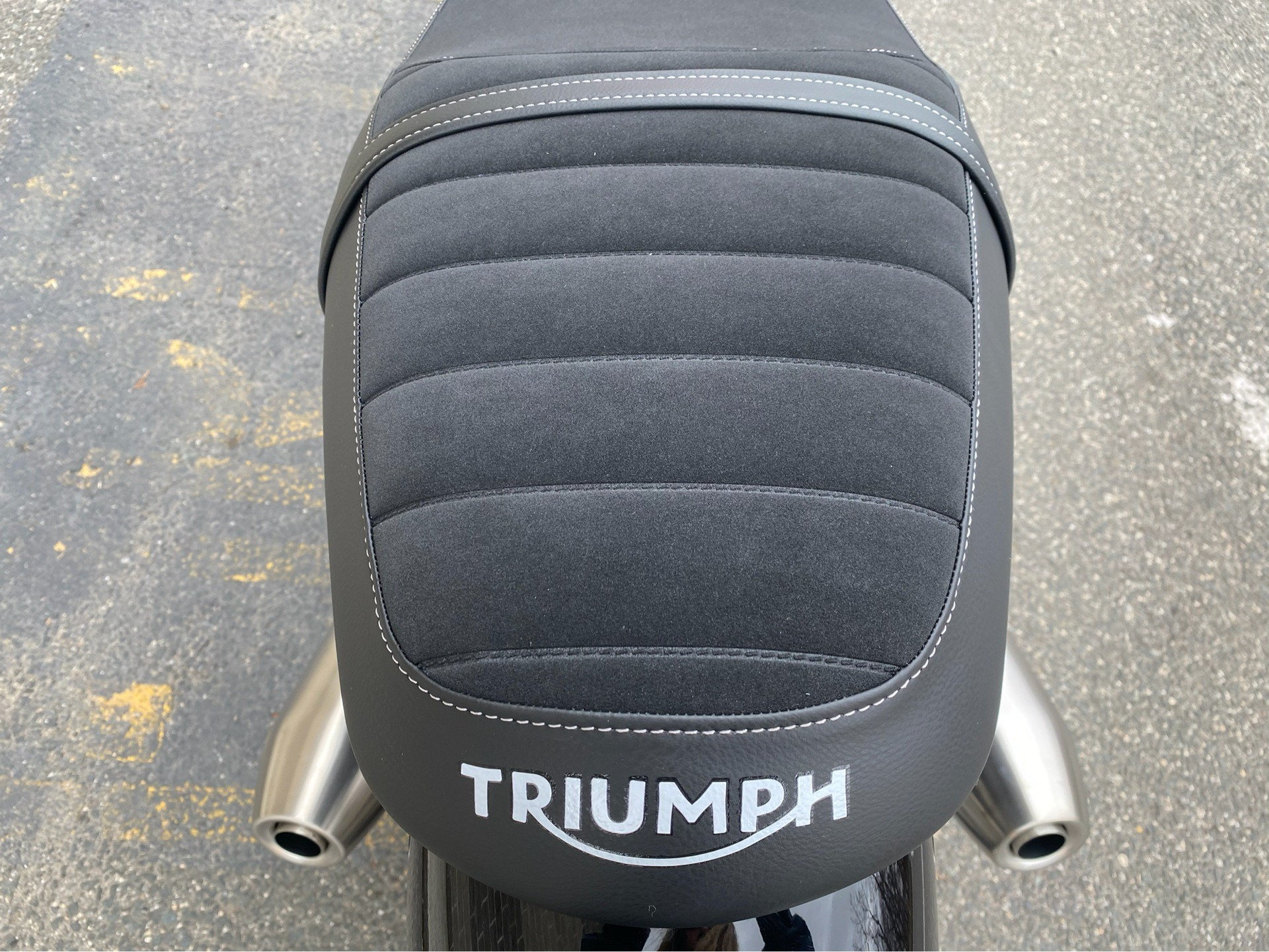 2020 Triumph Street Twin in Enfield, Connecticut - Photo 22
