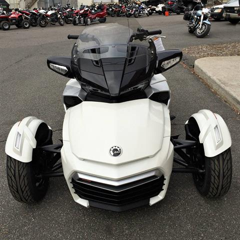 2016 Can-Am Spyder F3-T SM6 w/ Audio System in Enfield, Connecticut
