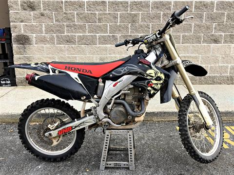2004 Honda CRF450R in Enfield, Connecticut - Photo 2