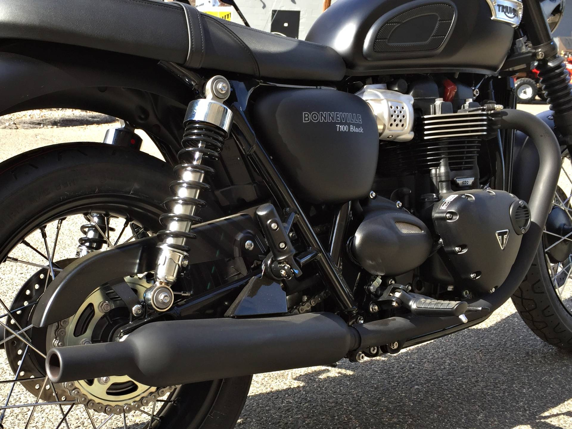 2017 Triumph Bonneville T100 Black in Enfield, Connecticut