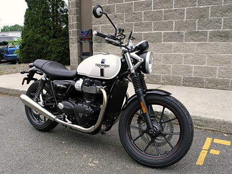 2018 Triumph Street Twin in Enfield, Connecticut - Photo 1