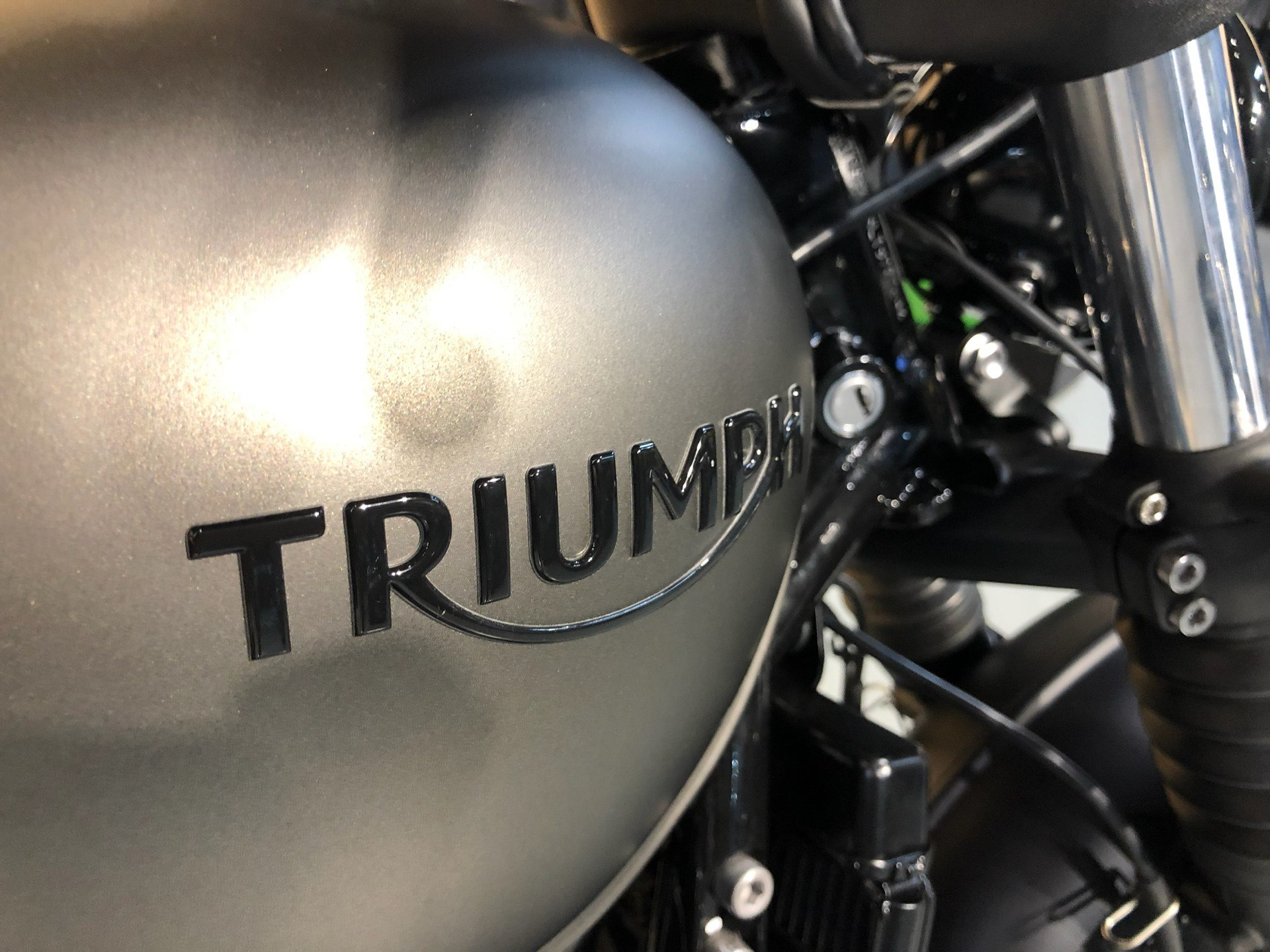 2020 Triumph Bonneville Bobber Black in Enfield, Connecticut - Photo 4