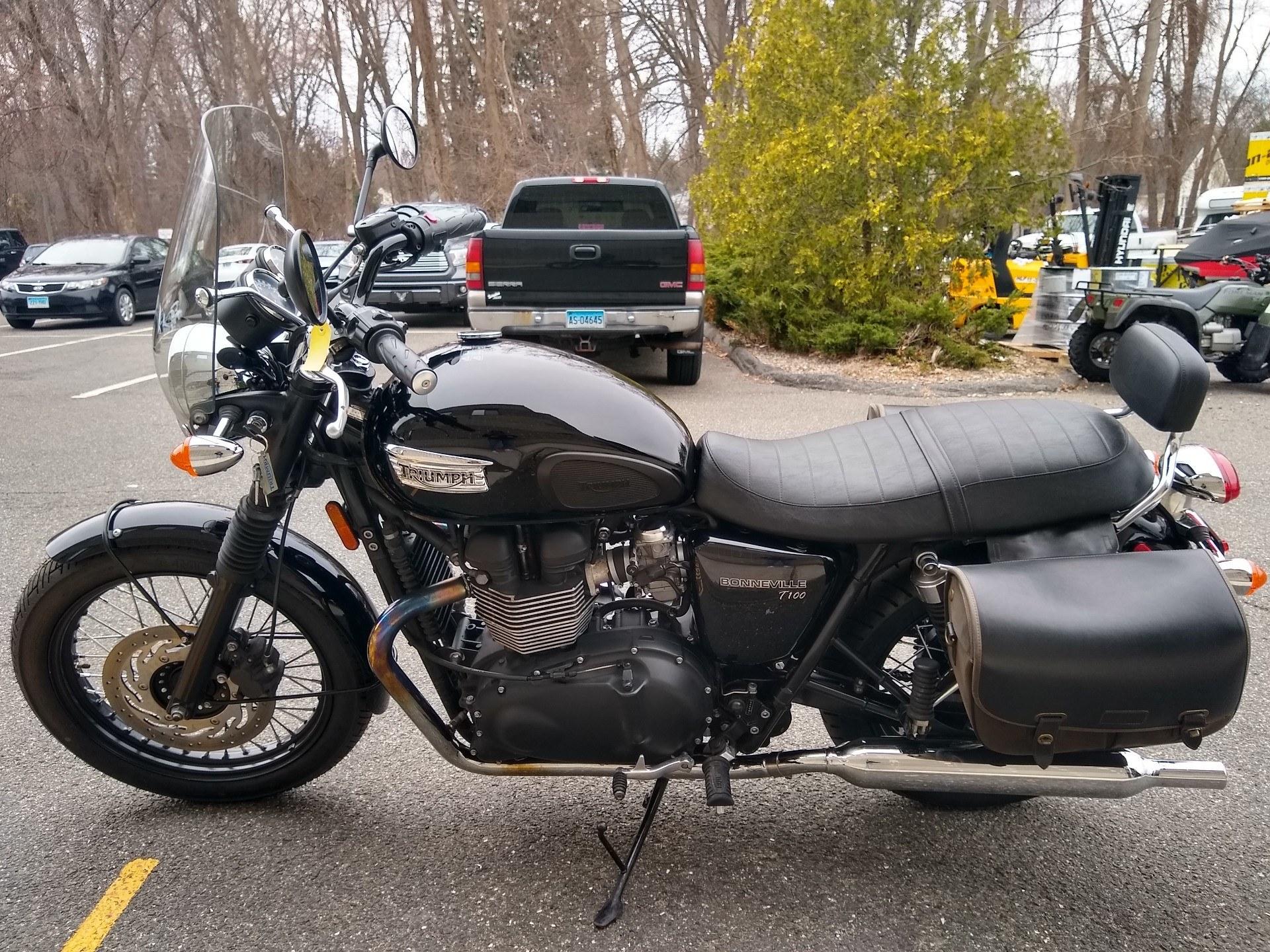 2015 Triumph Bonneville T100 Black in Enfield, Connecticut