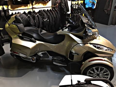 2017 Can-Am Spyder RT Limited in Enfield, Connecticut