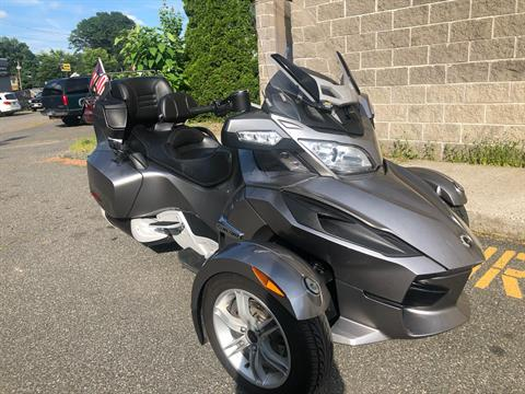 2011 Can-Am Spyder® RT Audio & Convenience SE5 in Enfield, Connecticut - Photo 1