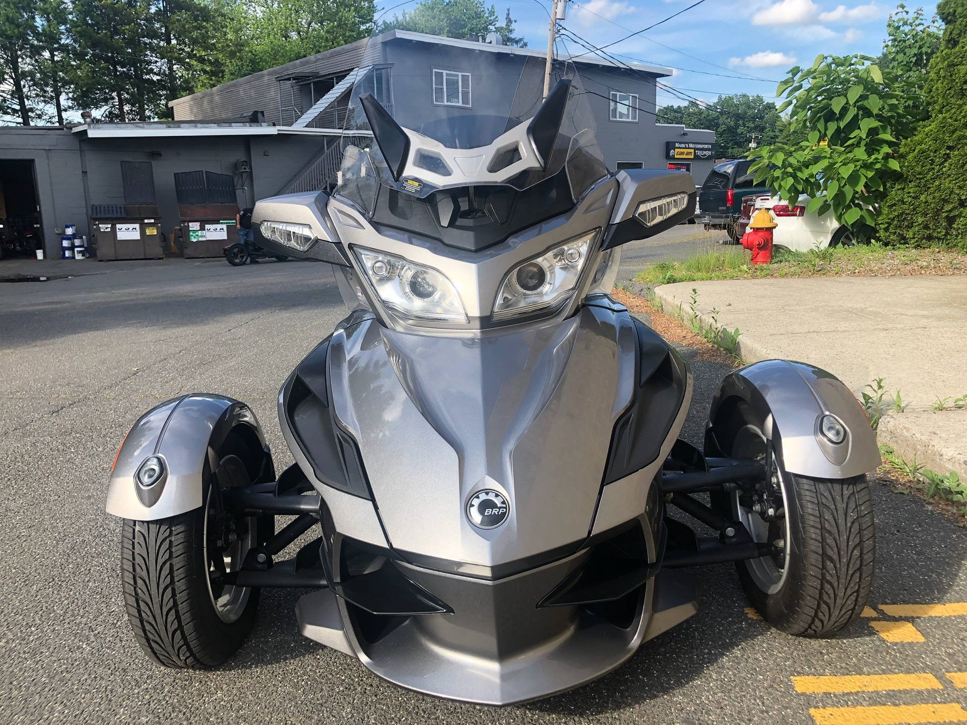 2011 Can-Am Spyder® RT Audio & Convenience SE5 in Enfield, Connecticut - Photo 9