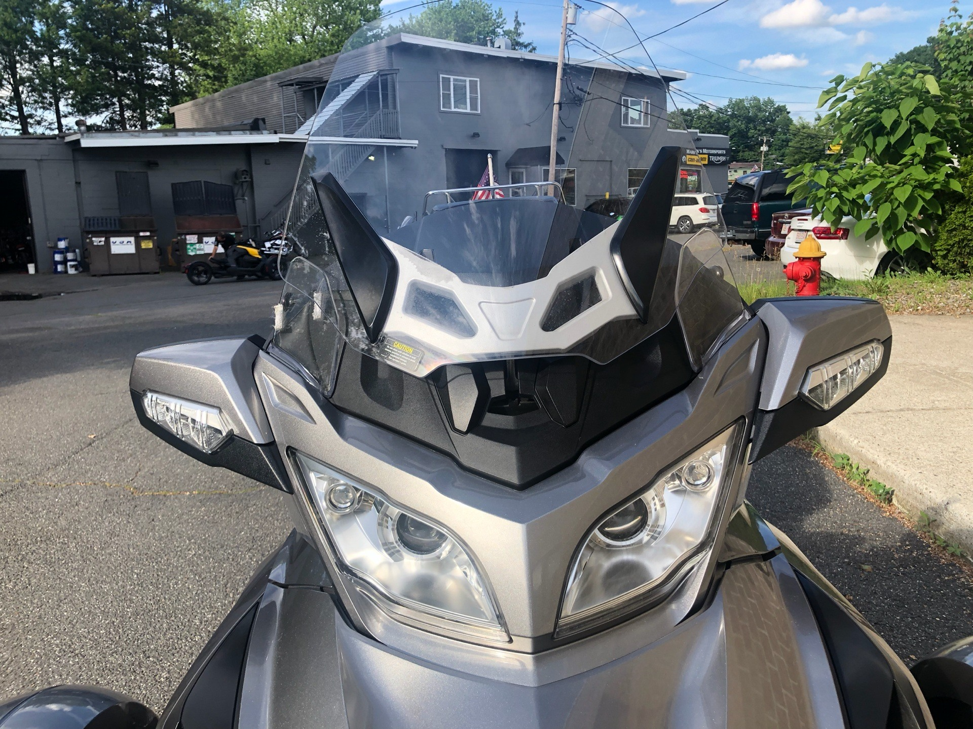 2011 Can-Am Spyder® RT Audio & Convenience SE5 in Enfield, Connecticut - Photo 10