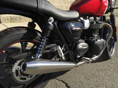 2017 Triumph Street Twin in Enfield, Connecticut