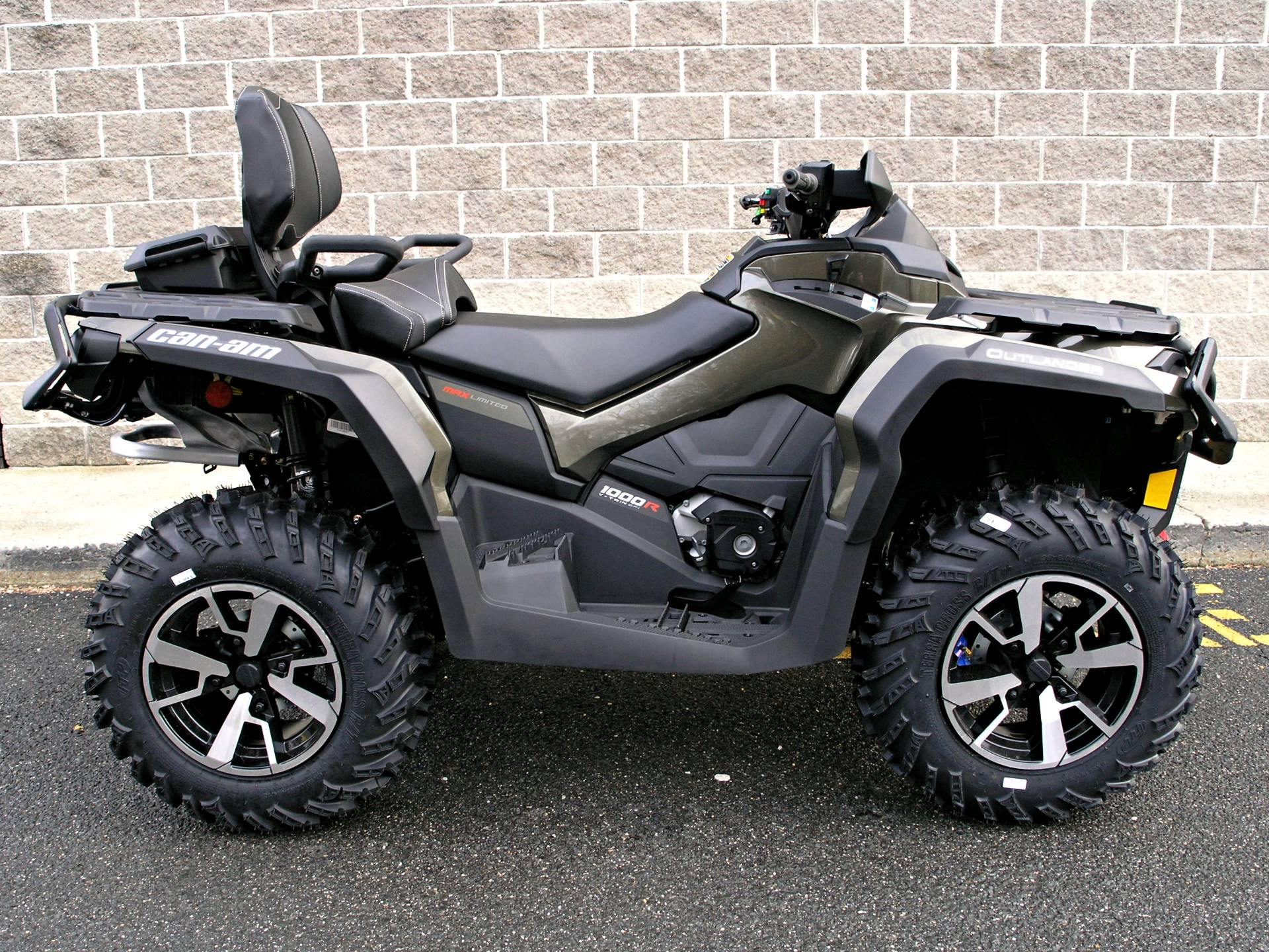 2019 Can-Am Outlander MAX Limited 1000R in Enfield, Connecticut - Photo 2