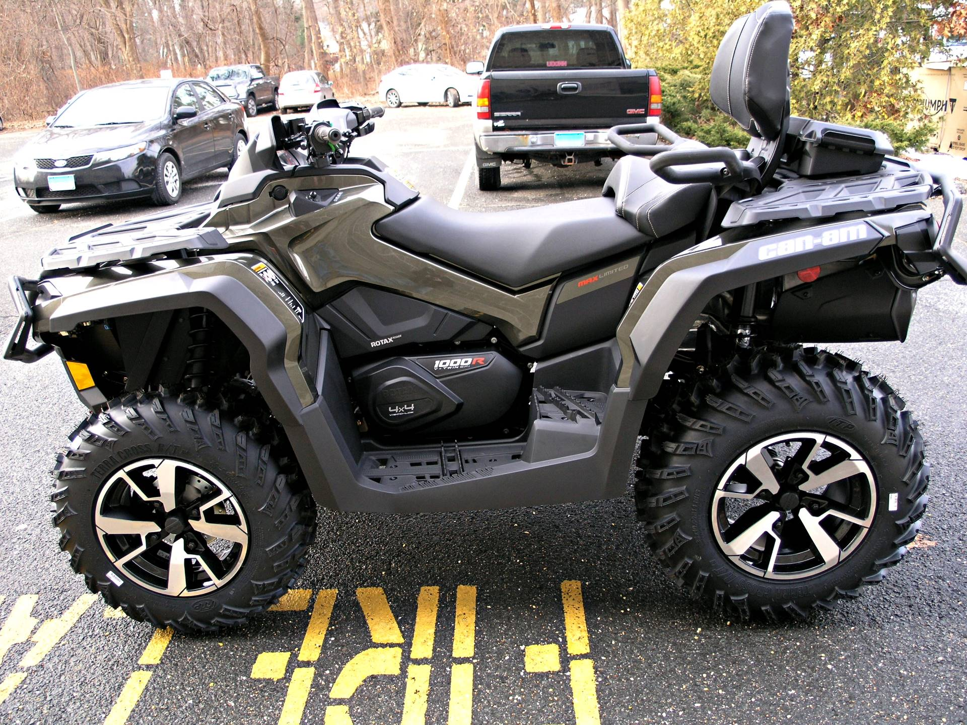 2019 Can-Am Outlander MAX Limited 1000R in Enfield, Connecticut - Photo 6
