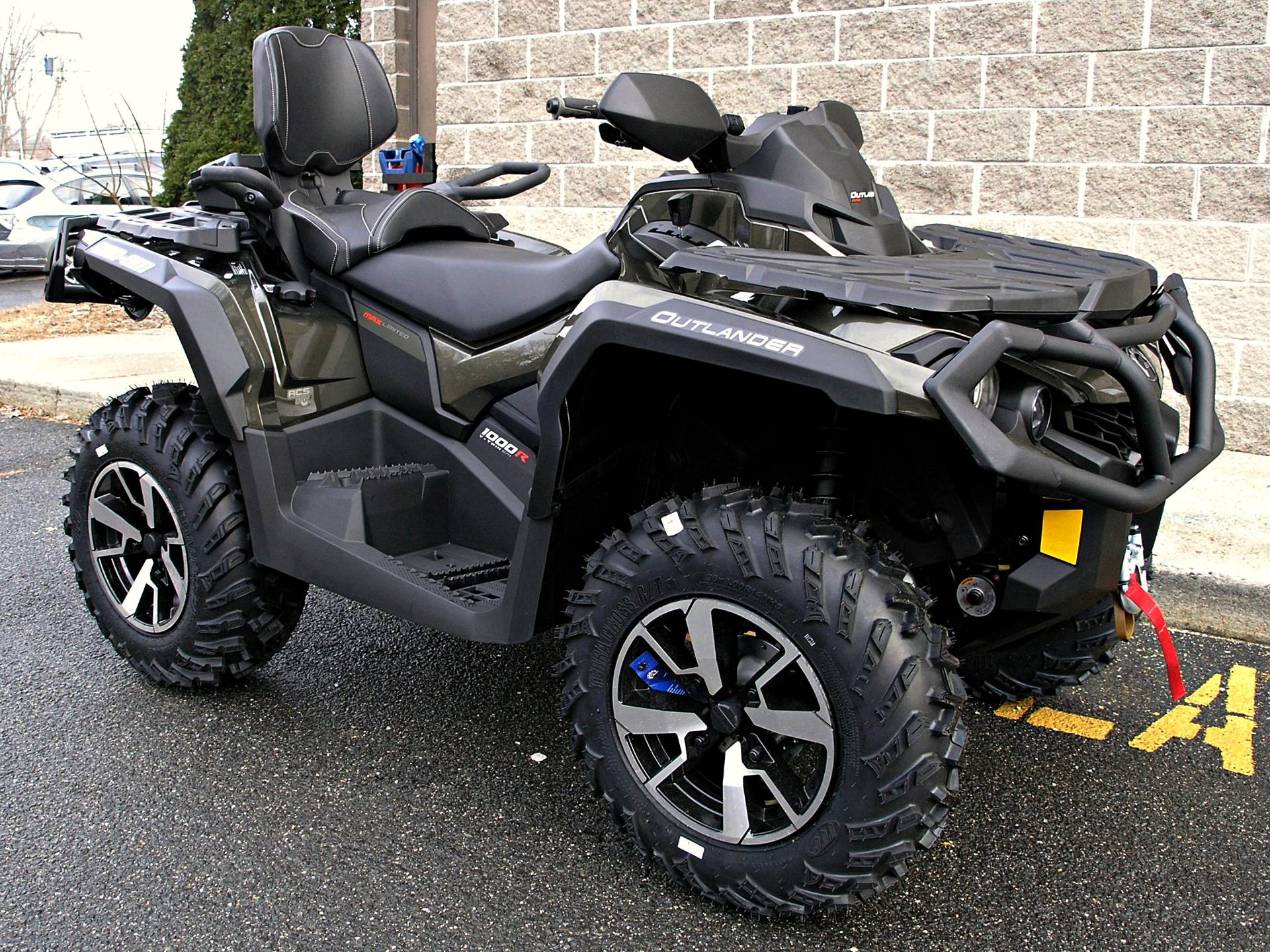 2019 Can-Am Outlander MAX Limited 1000R in Enfield, Connecticut - Photo 1
