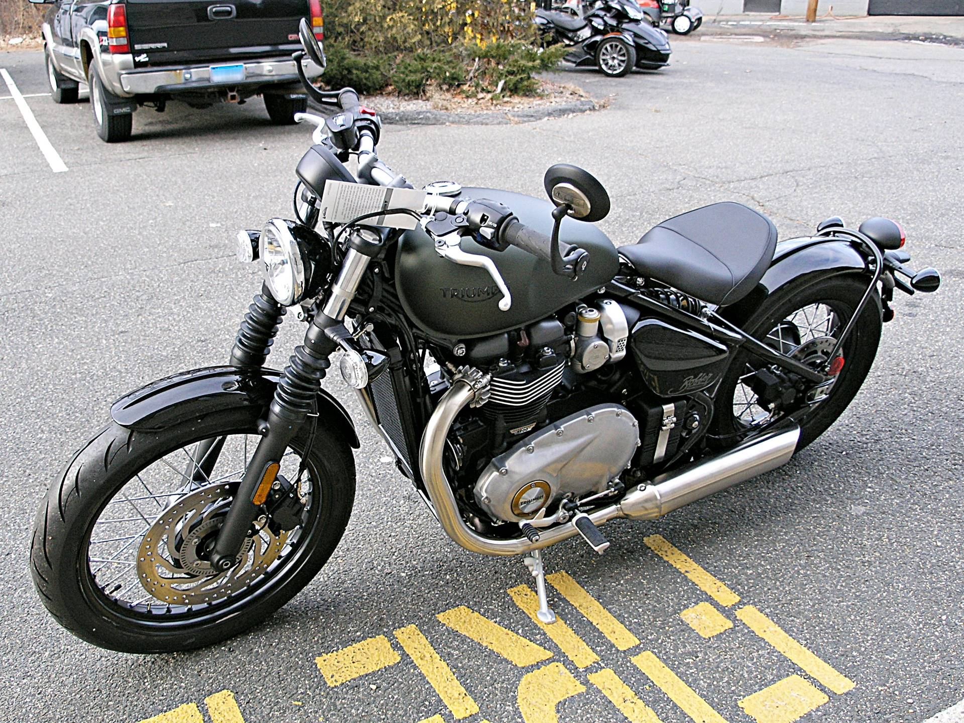 2019 Triumph Bonneville Bobber in Enfield, Connecticut - Photo 7