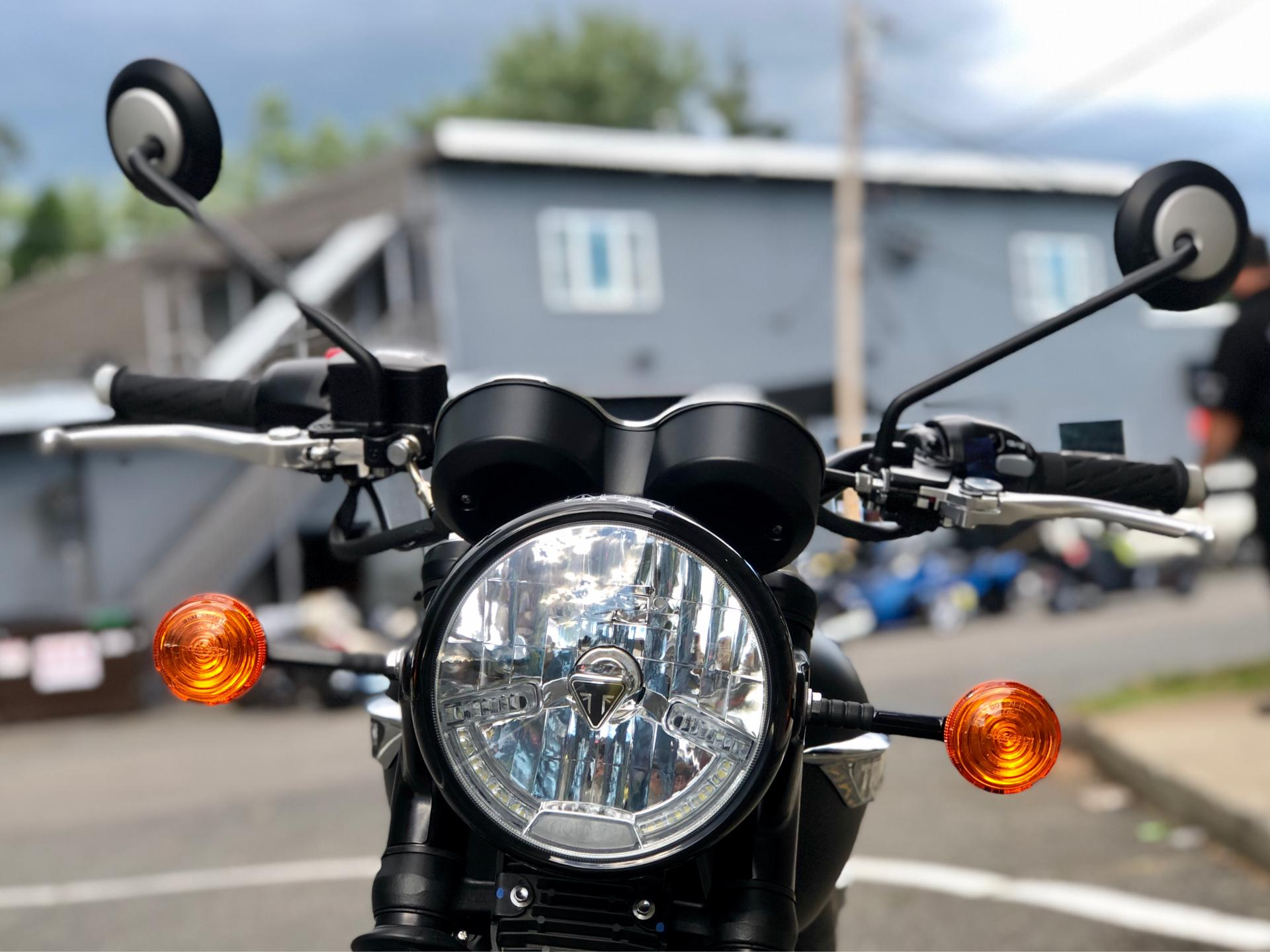 2020 Triumph Bonneville T120 Black in Enfield, Connecticut - Photo 7