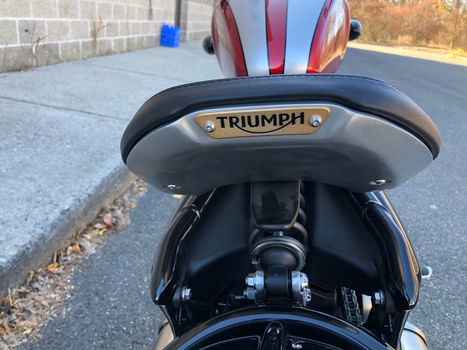 2018 Triumph Bonneville Bobber in Enfield, Connecticut - Photo 22