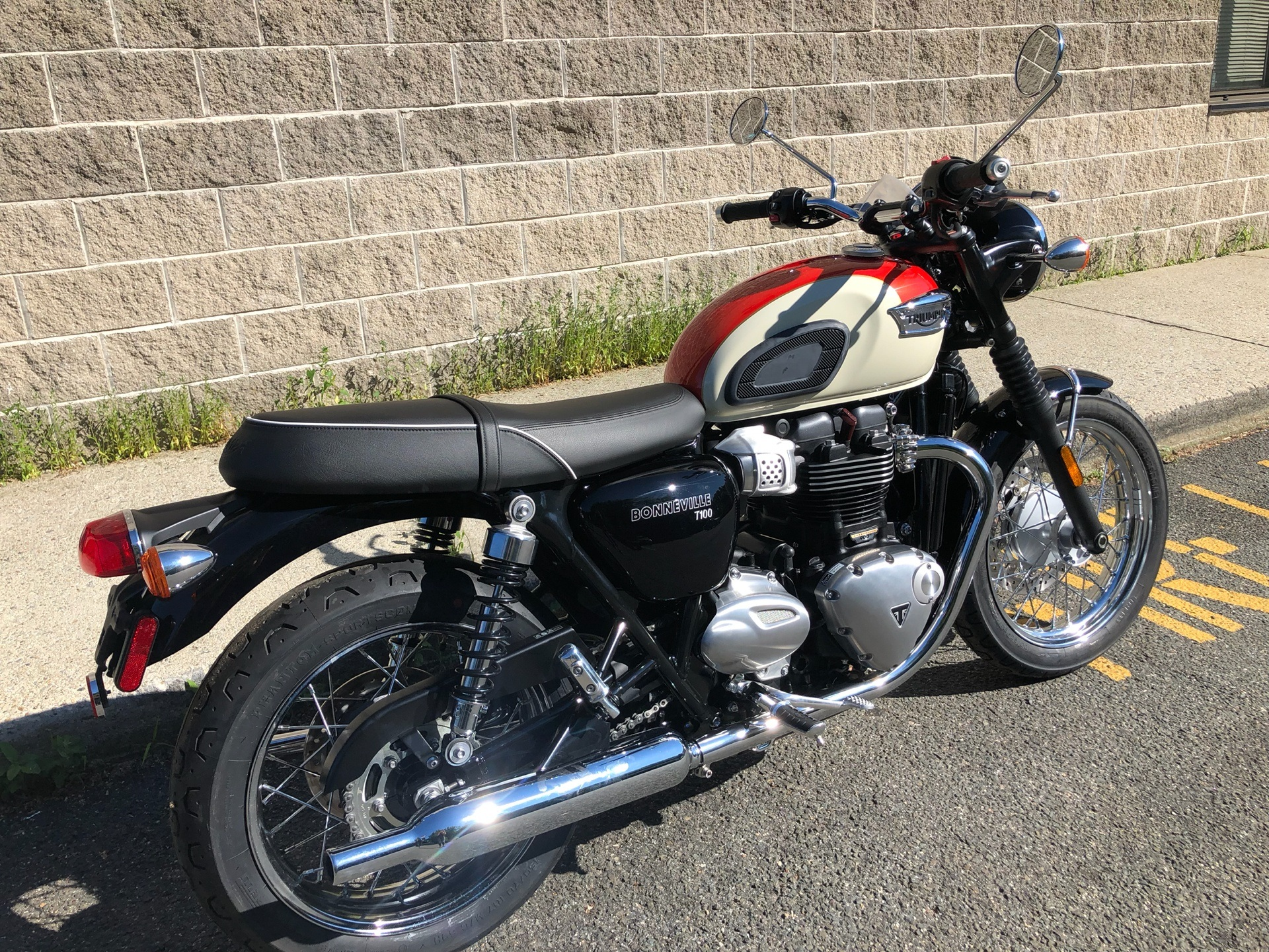 2019 Triumph Bonneville T100 in Enfield, Connecticut - Photo 3