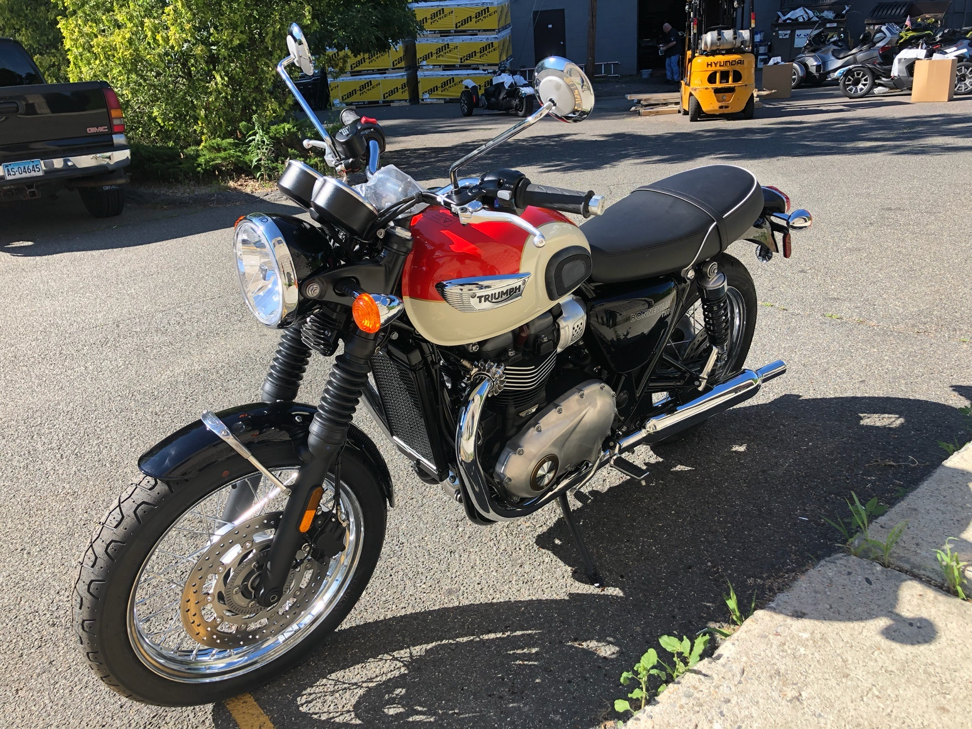 2019 Triumph Bonneville T100 in Enfield, Connecticut - Photo 7