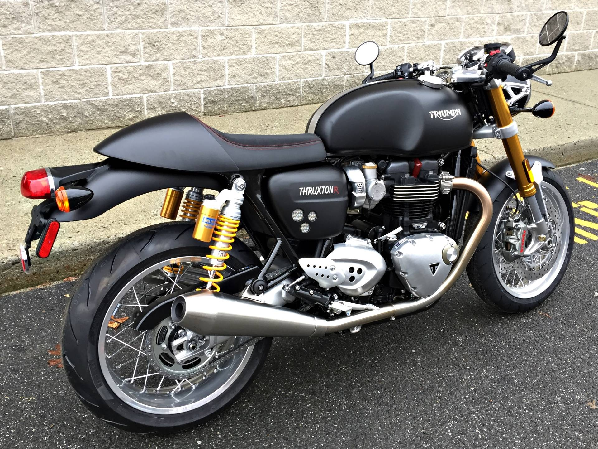 2017 Triumph Thruxton 1200 R in Enfield, Connecticut