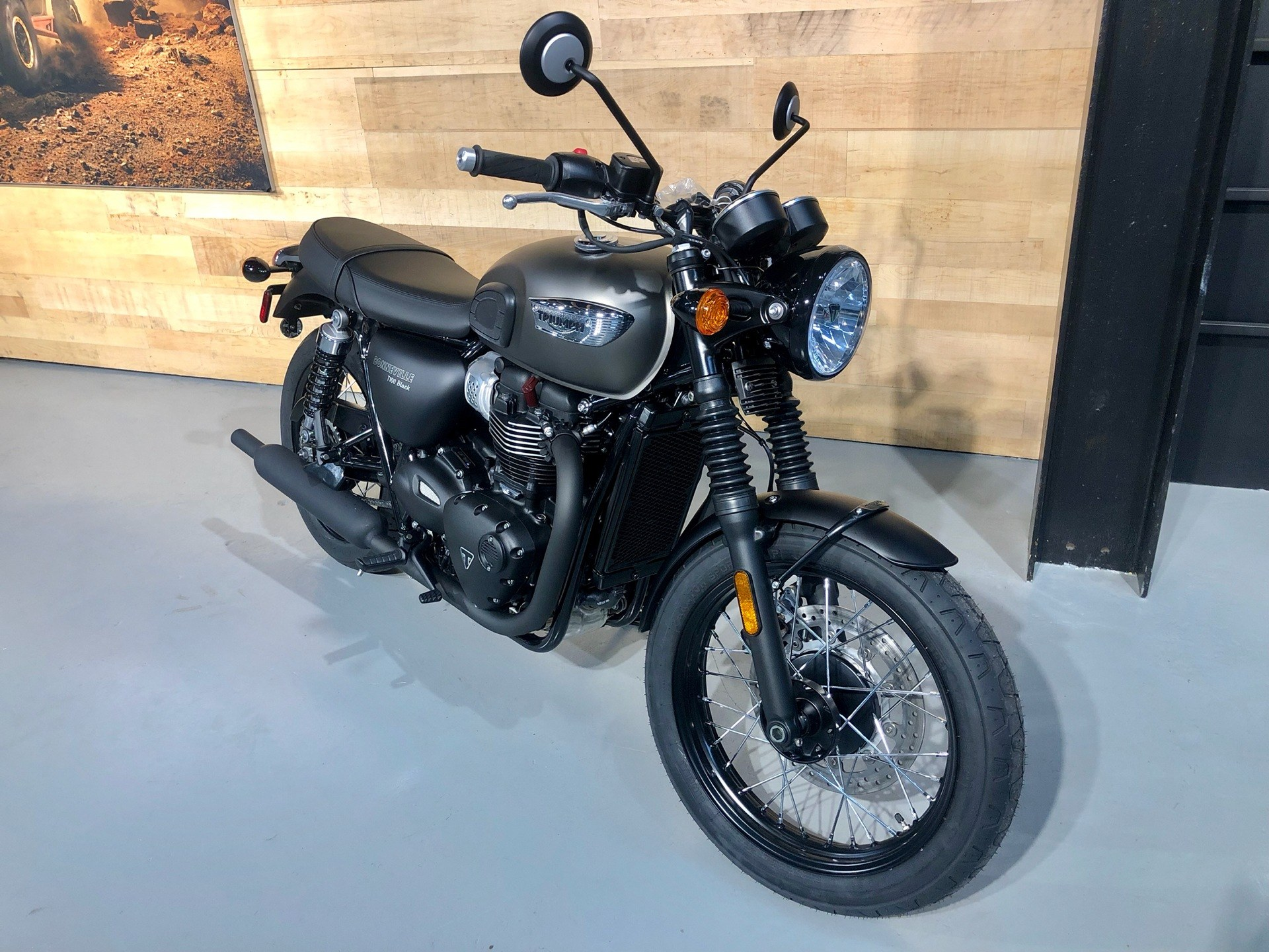 New 2020 Triumph Bonneville T100 Black Motorcycles In Enfield Ct Stock Number N A