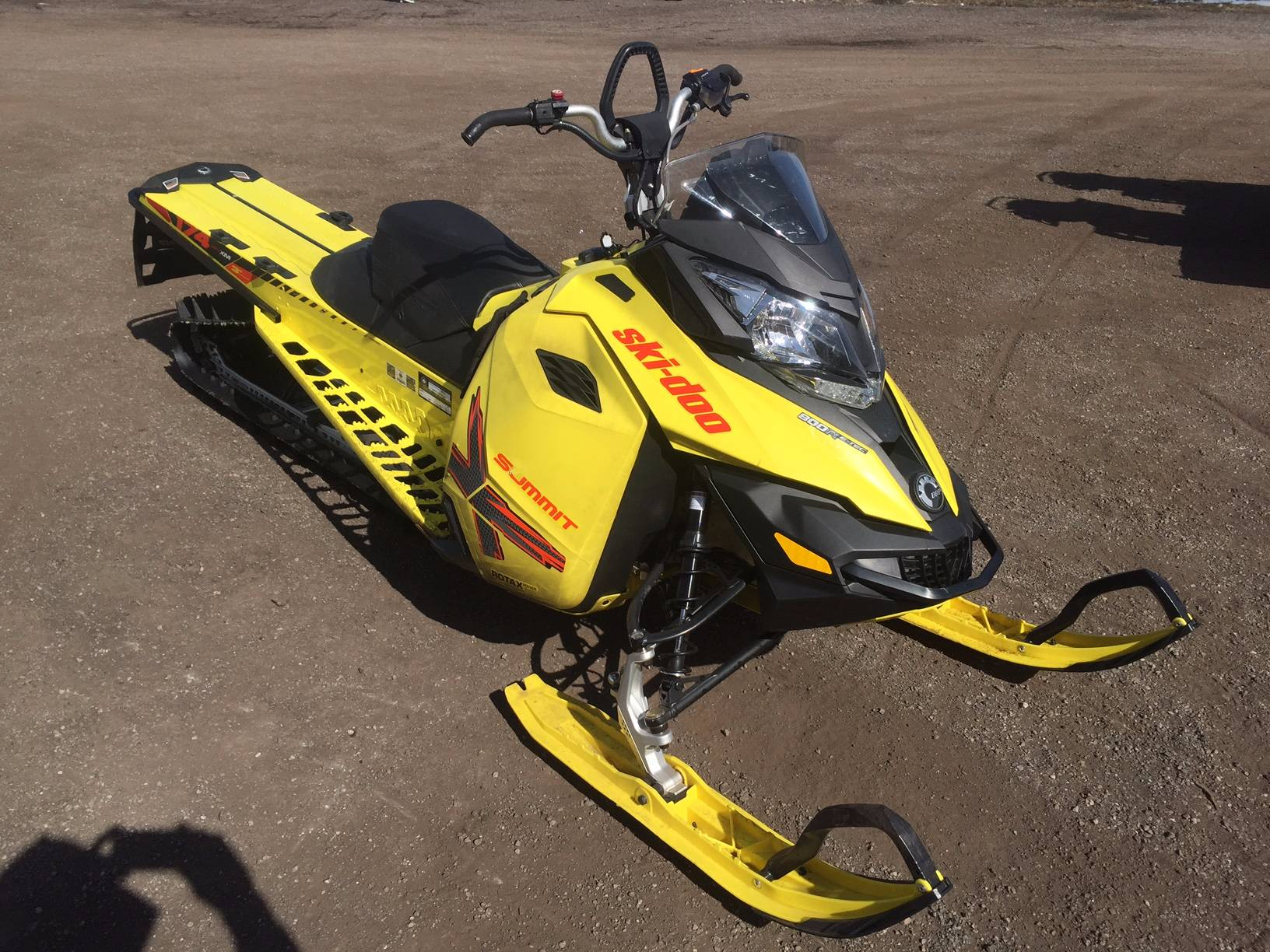 "2015 Ski-Doo Summit X 800 174"" T3 in Kamas, Utah"