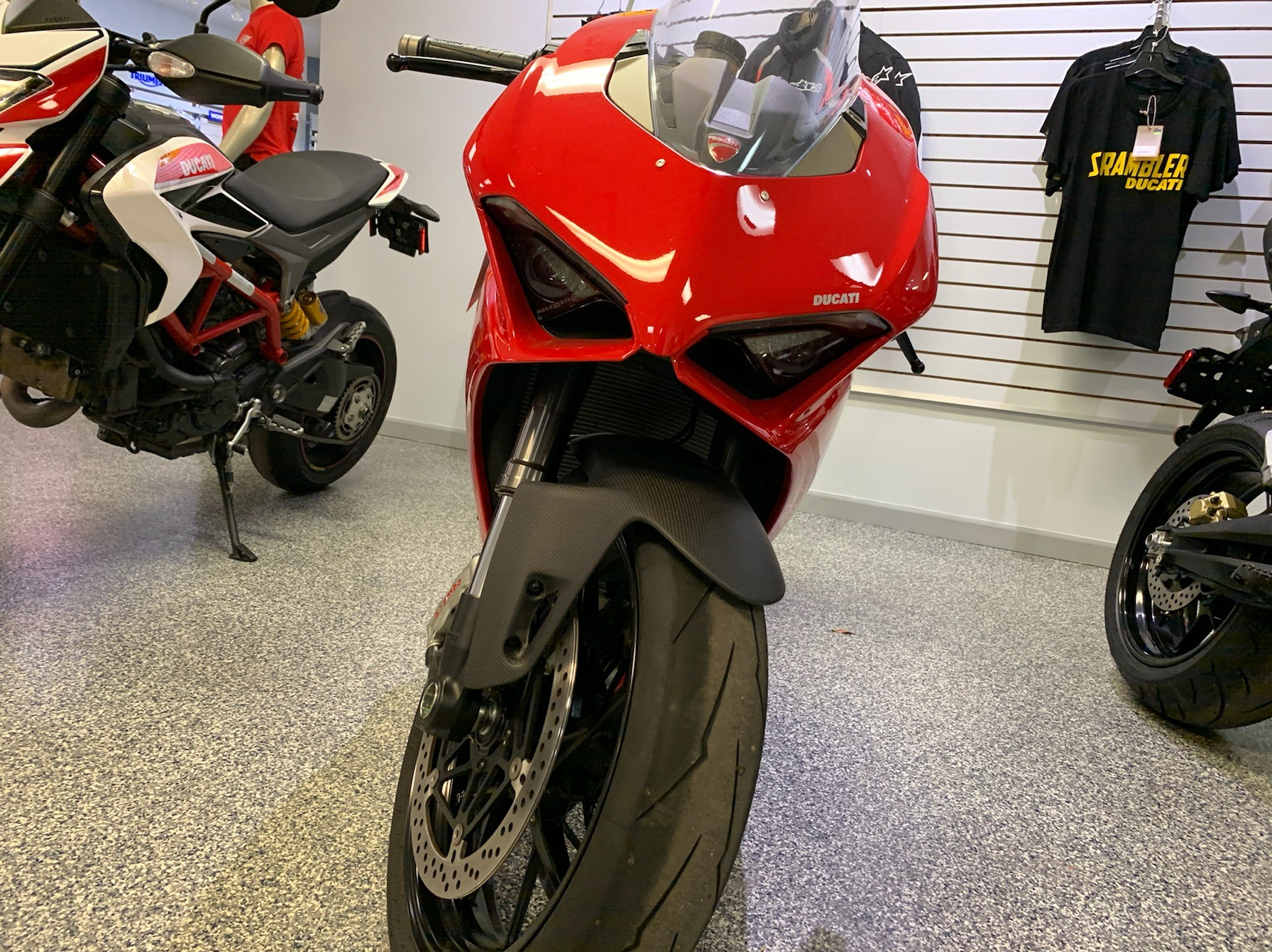 2018 Ducati Panigale V4 in Pensacola, Florida - Photo 3