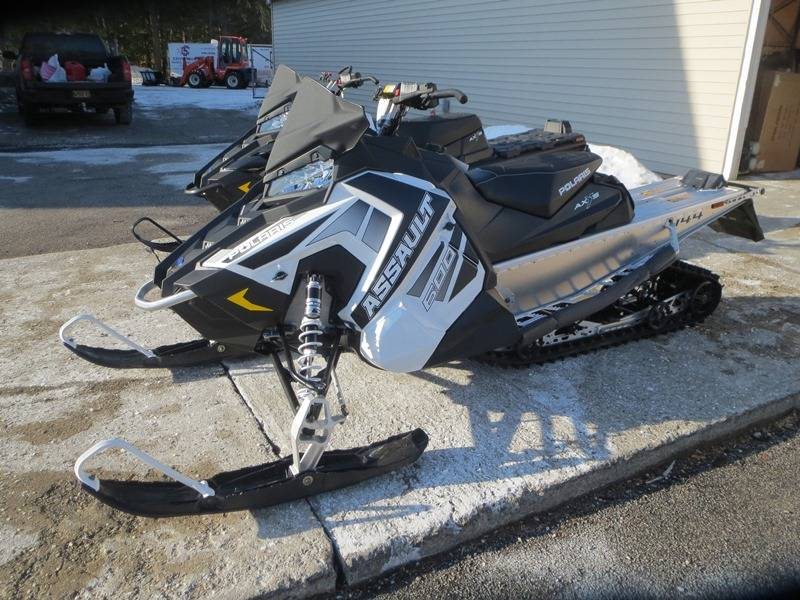 2018 Polaris 600 Switchback Assault 144 ES in Newport, Maine - Photo 1