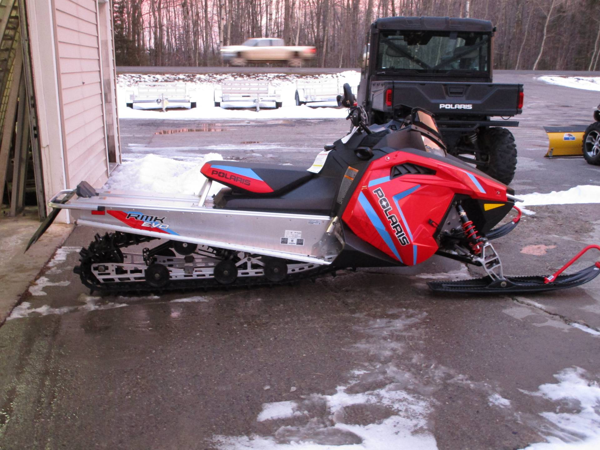 2020 Polaris RMK EVO 144 ES in Newport, Maine - Photo 2