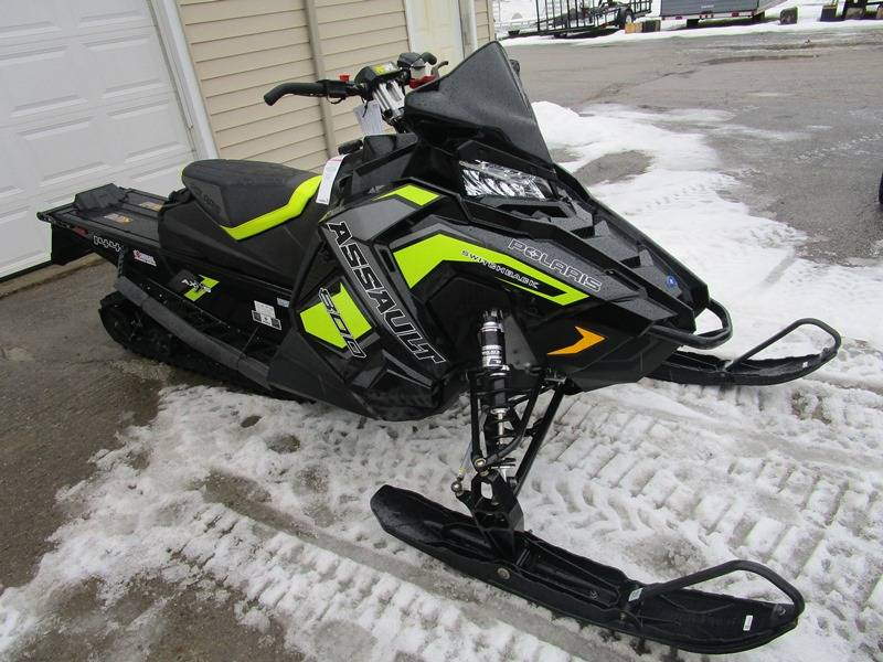 2019 Polaris 800 Switchback Assault Snow Check Select Edition in Newport, Maine