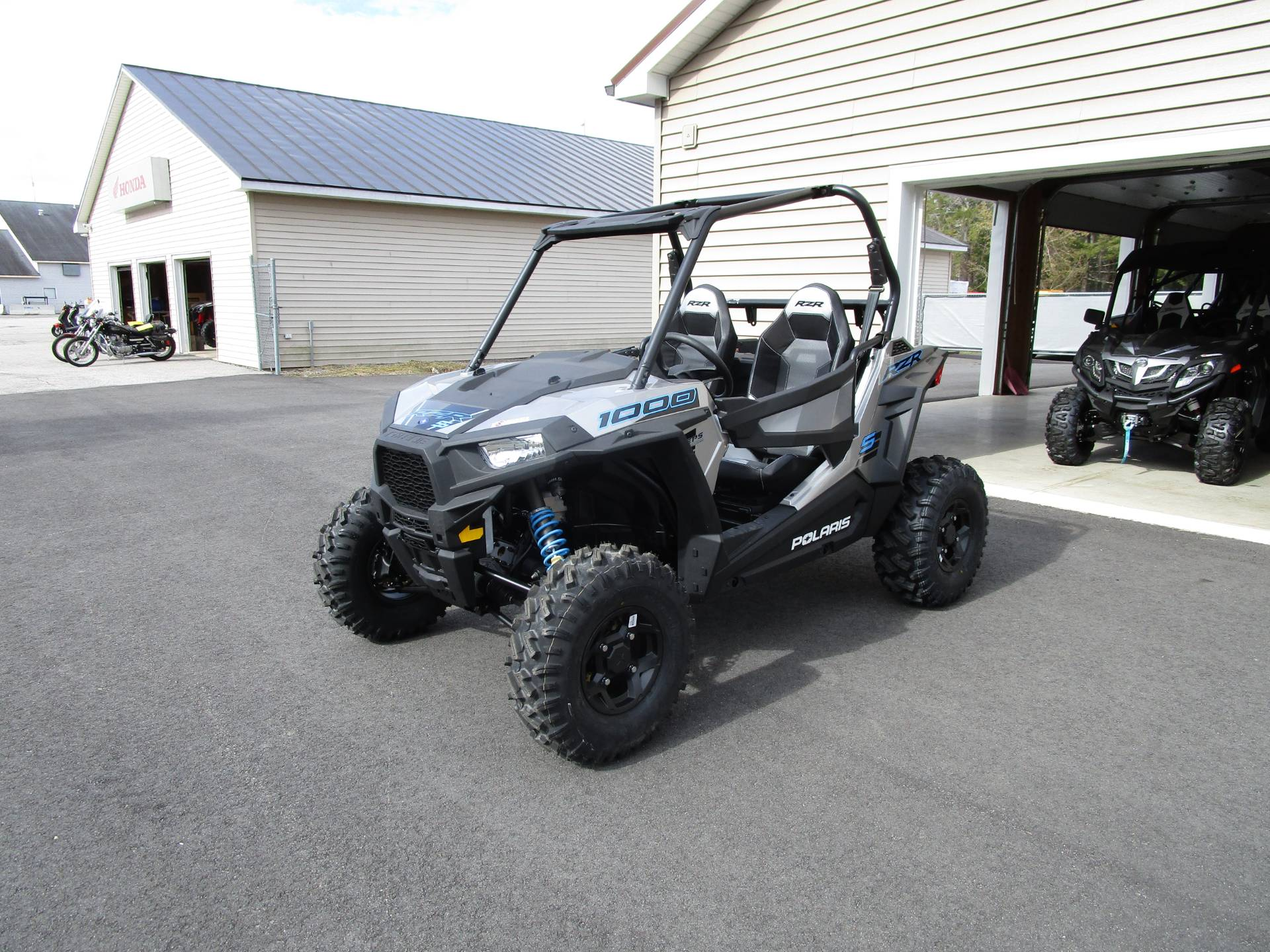 2020 Polaris RZR S 1000 Premium in Newport, Maine - Photo 2