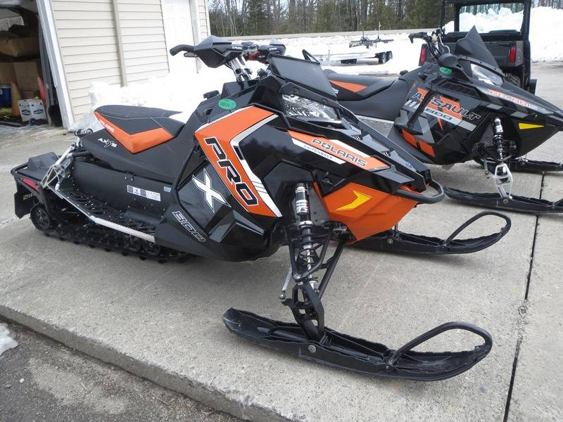 2016 Polaris 800 Switchback Pro X Snow Check Select  Black/Orange in Newport, Maine