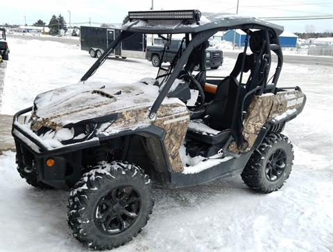 2016 Can-Am Commander XT 1000 in Gaylord, Michigan